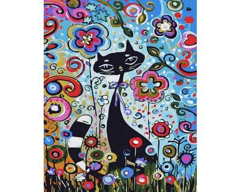 Kotek wśród kwiatów